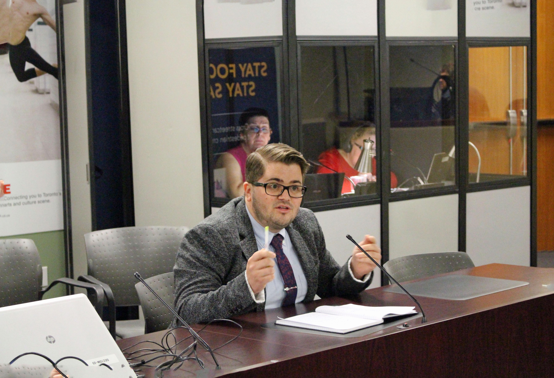 Alain Dupuis du RÉFO soutenait le projet de l'université franco-ontarienne devant le Comité